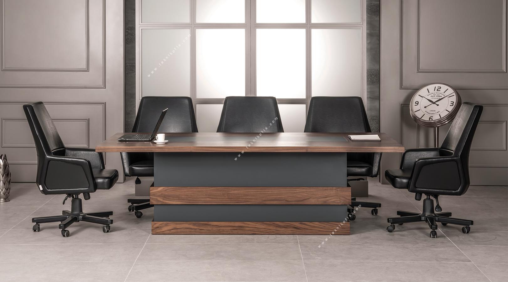 director toplantı masası