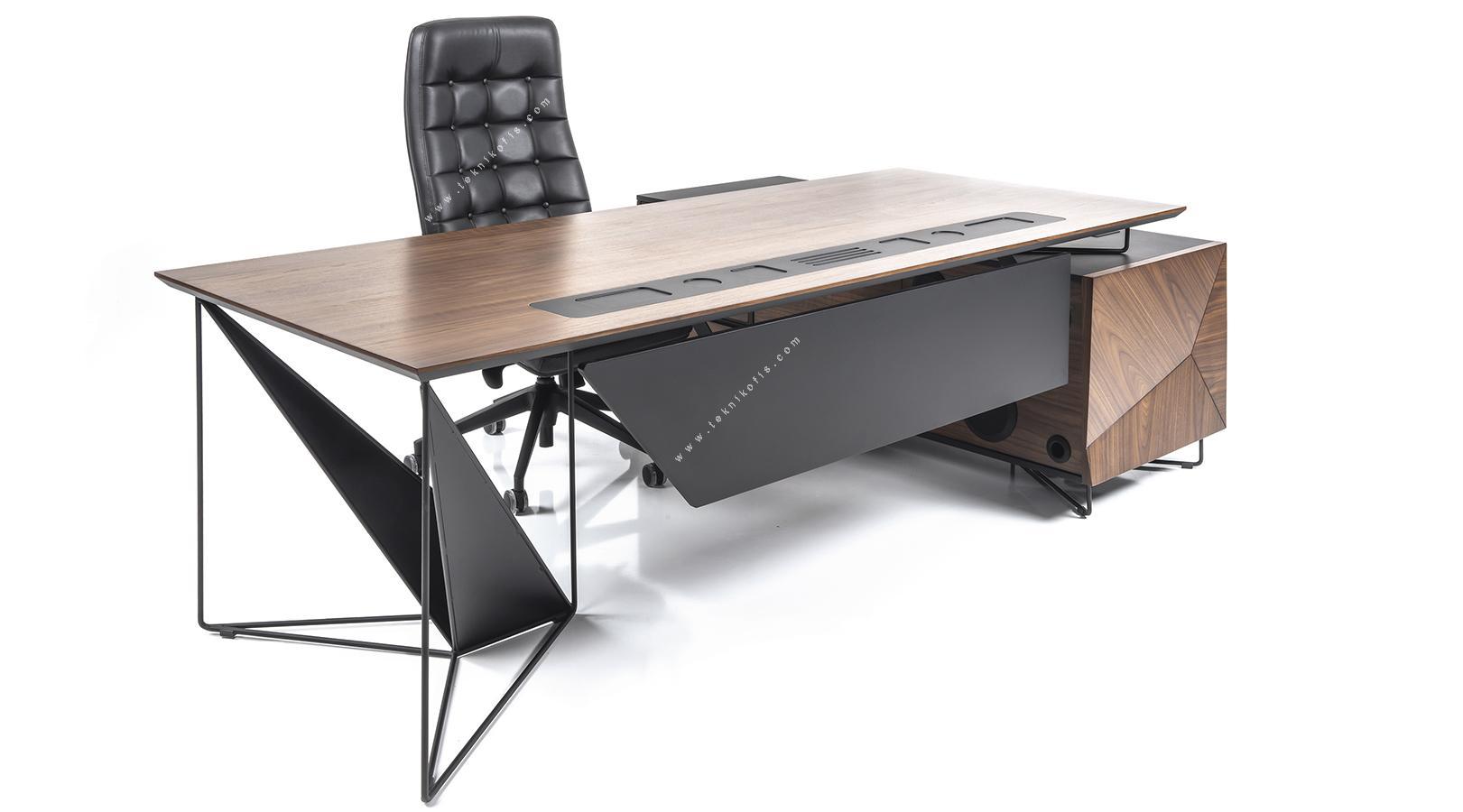 ployer etajerli yönetici masası