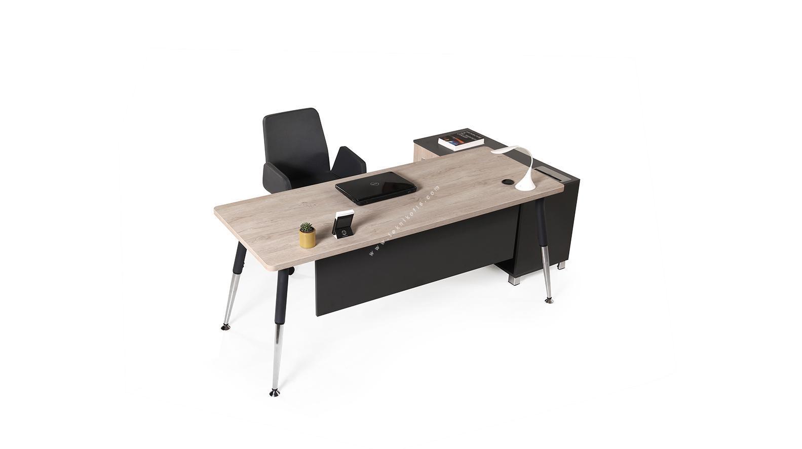 toucher etajerli metal ayaklı yönetici masası 180cm