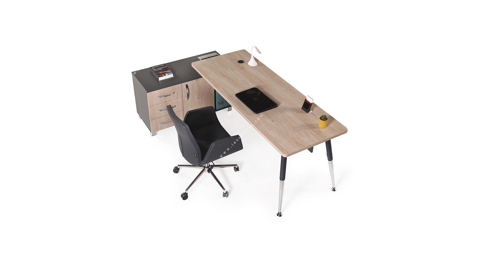 toucher etajerli metal ayaklı yönetici masası 200cm